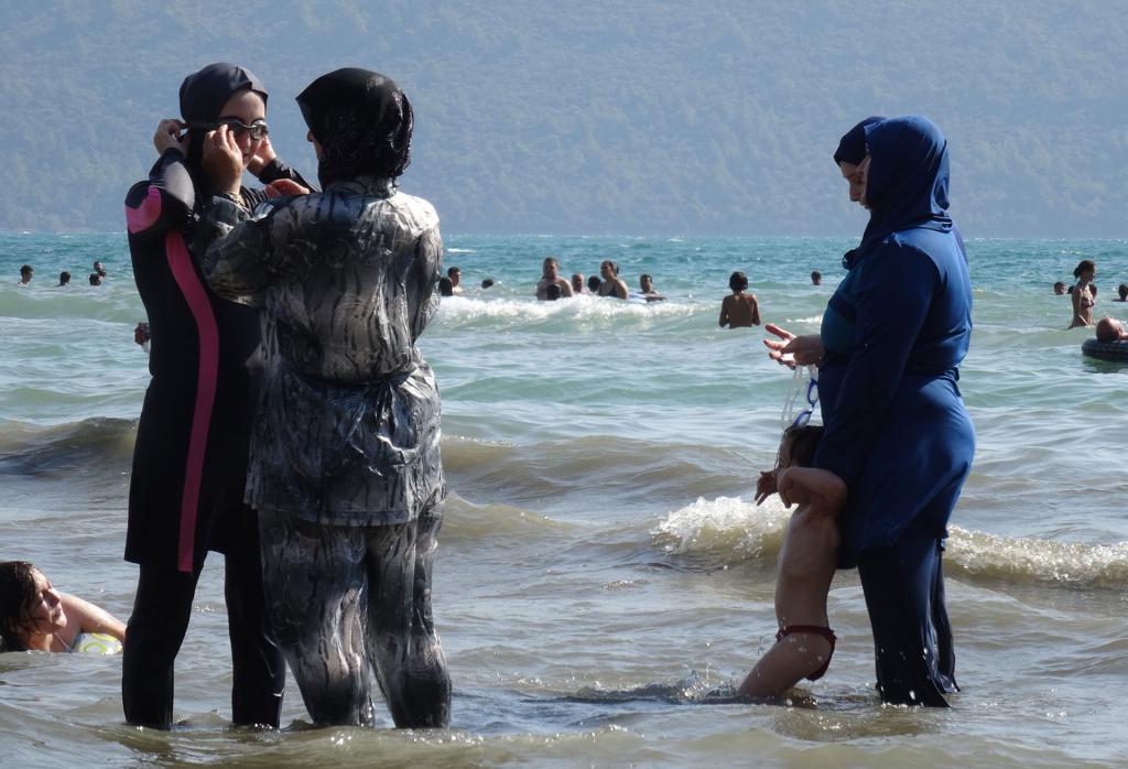 Am Strand - Andere Länder, andere Sitten