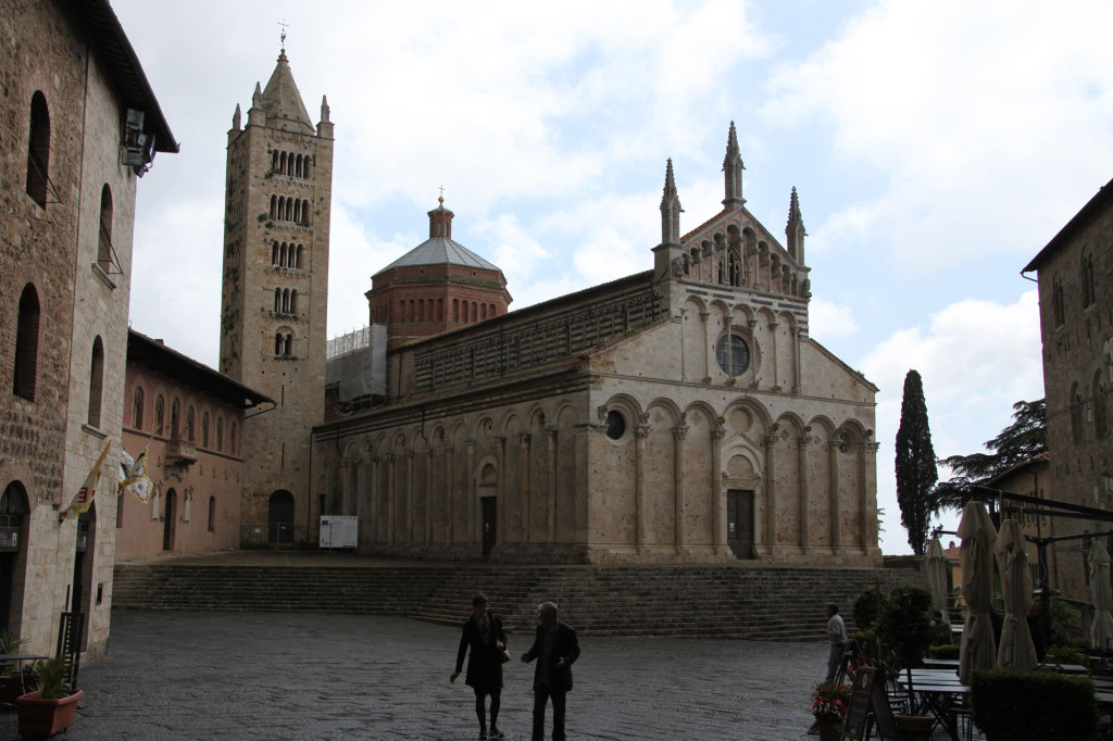 Massa Marittima -Piazza Garibaldi mit dem Dom San Cerbone