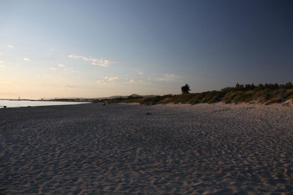 Strand vor dem Campingplatz Tripesce