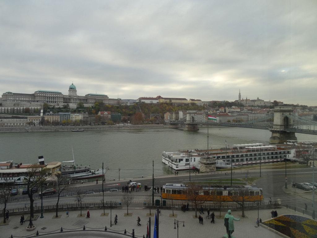 Blick aus unserem Zimmer im Hotel Sofitel Budapest Chain Bridge