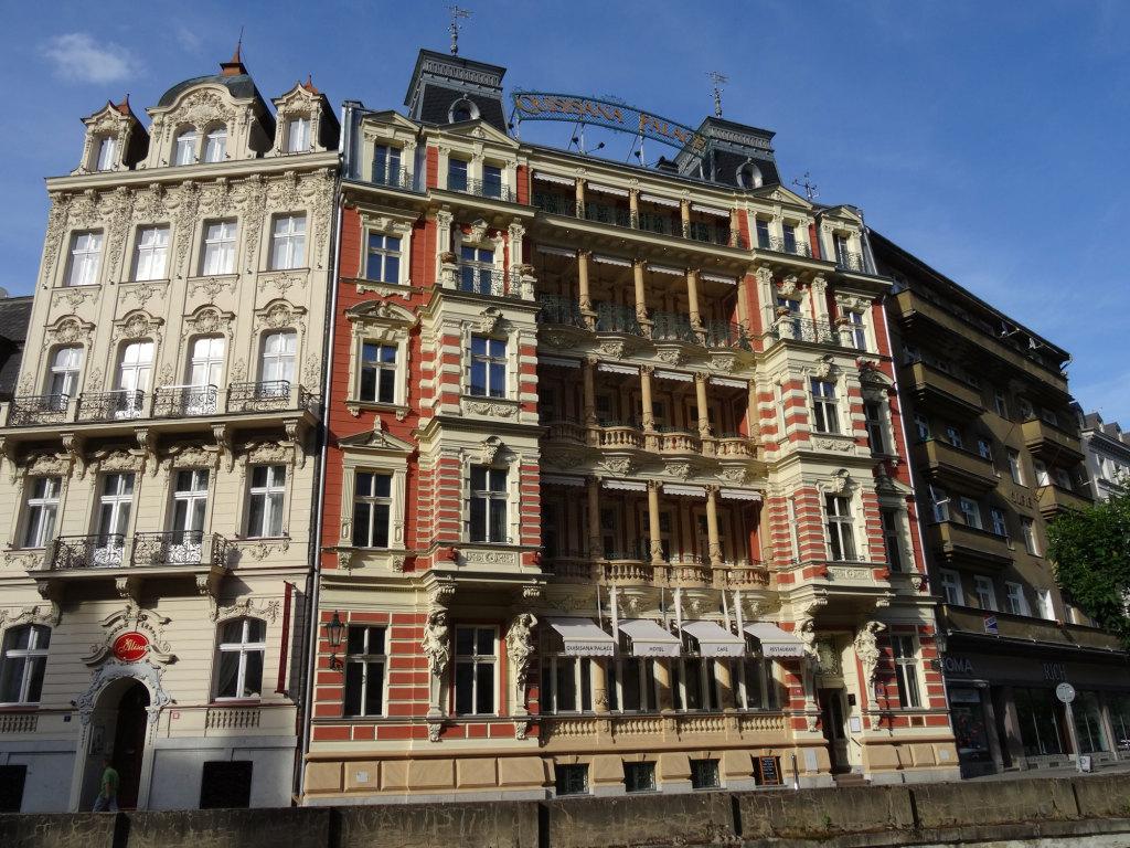 Hotel Quisisane Palace - Hinter den Fenstern linken Hälfte der obersten Etage befindet sich unsere Suite