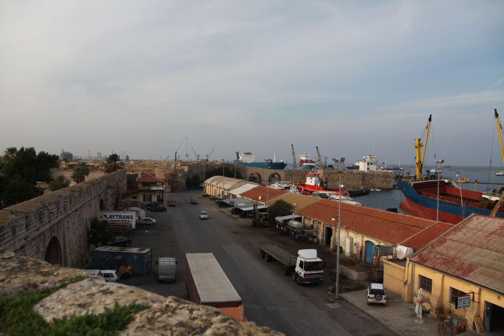Famagusta - Blick von der Stadtmauer auf den Hafen