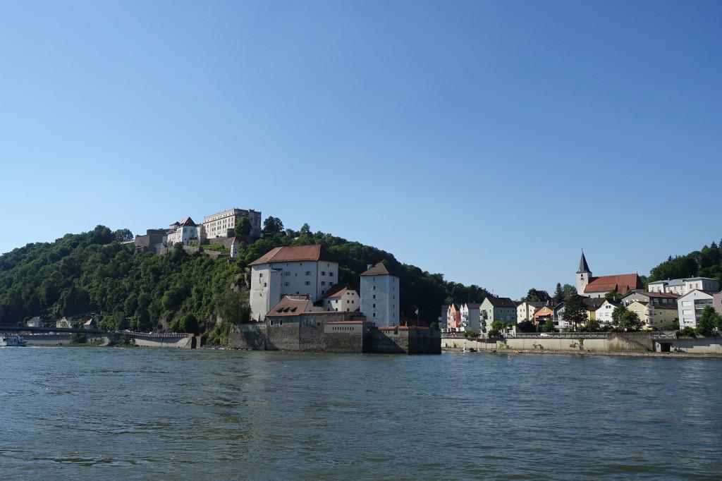 Veste Oberhaus - rechts die Mündung der Ilz in die Donau