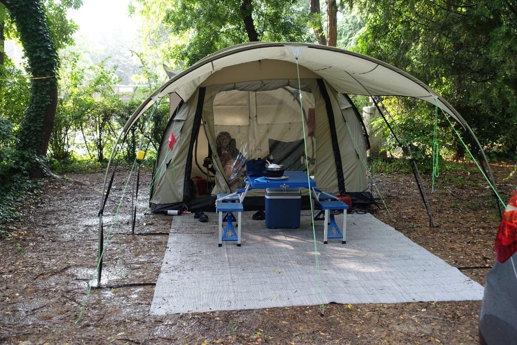 Dauerregen, aber das Zelt hält dicht