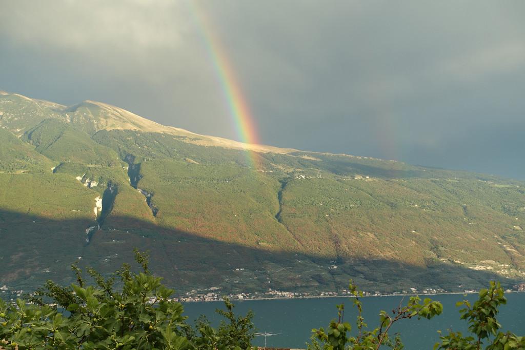 Regenbogen über dem Monte Baldo
