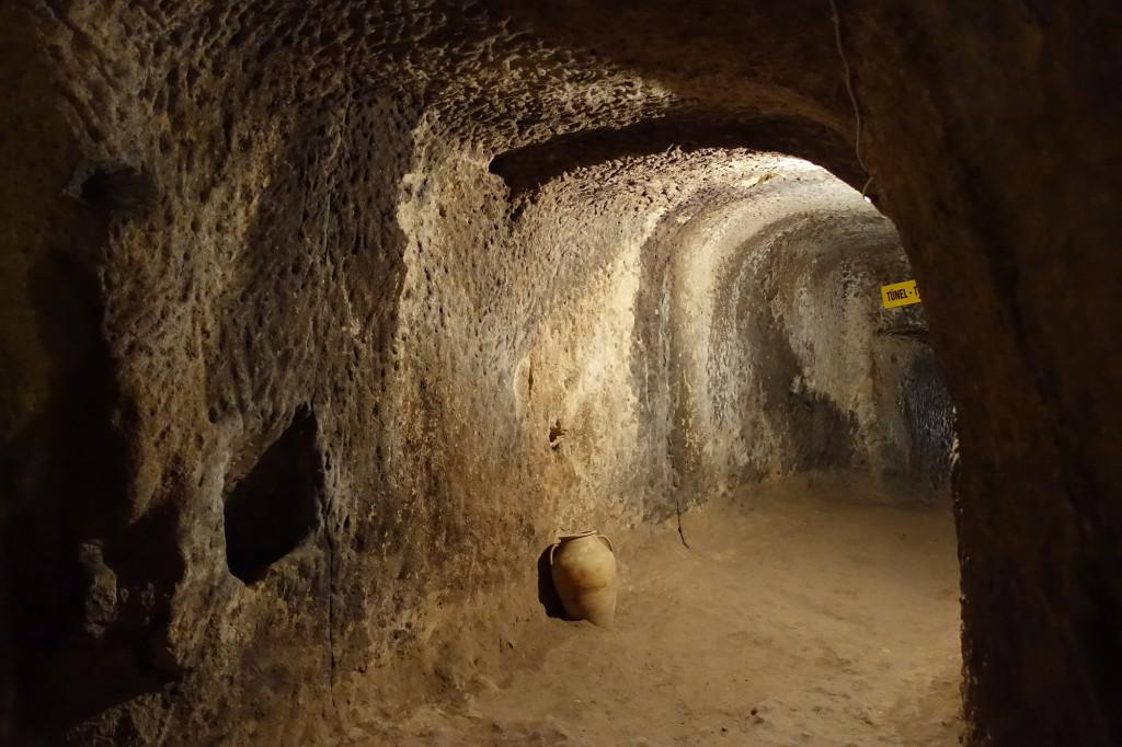 DSC07392 Türkei Nov. 15 - Kappadokien - Dorf mit unterirdischem Bereich
