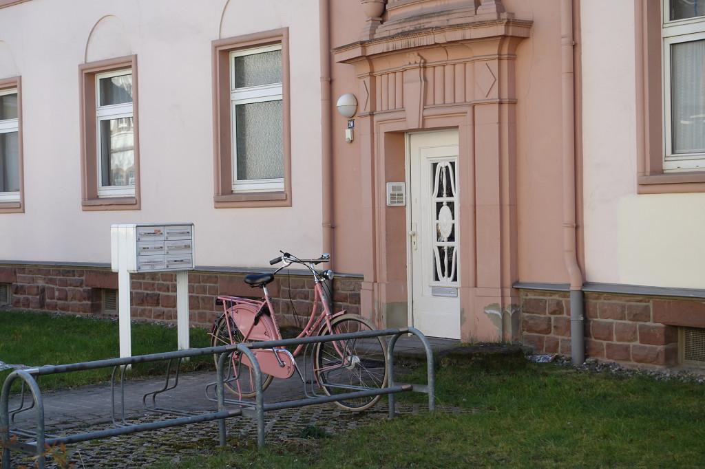 Hier hat sich wohl das Fahrrad farblich dem Türbereich angepasst