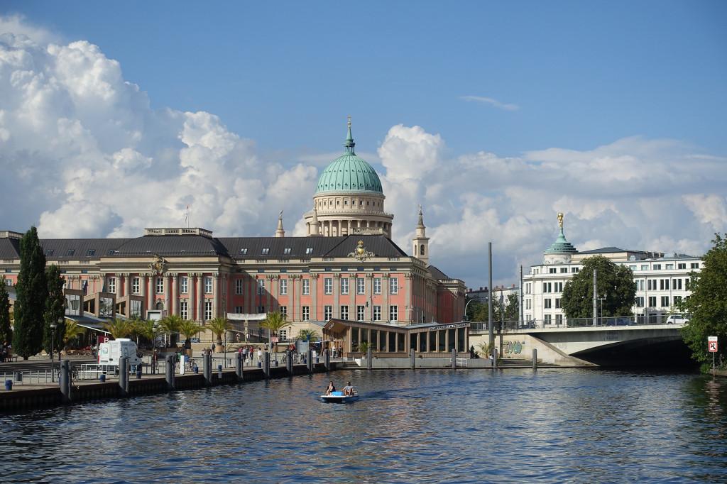 Potsdam - Landtag im Stadtschloss und Nikolaikirche