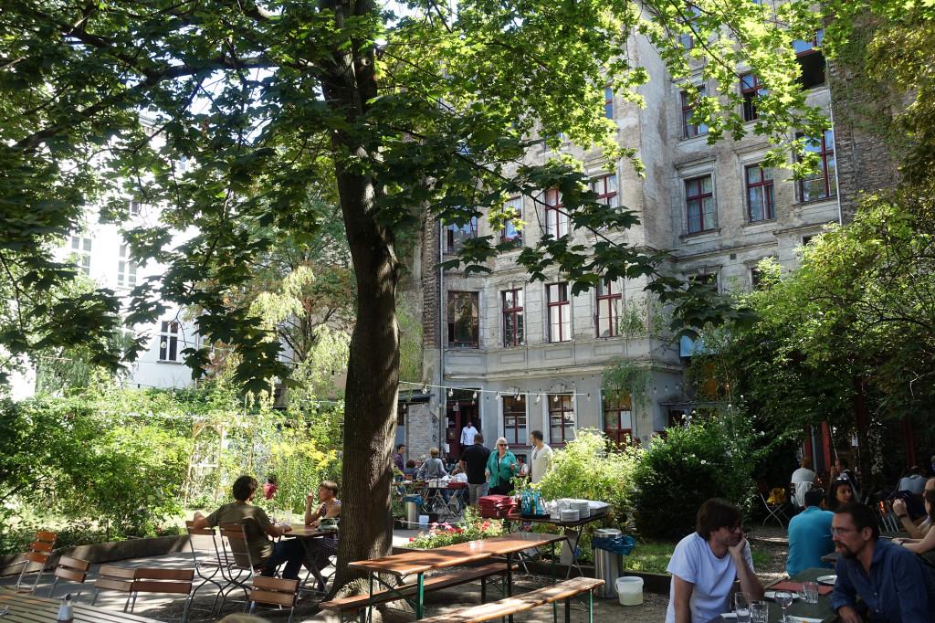 Biergarten von Clärchens Ballhaus