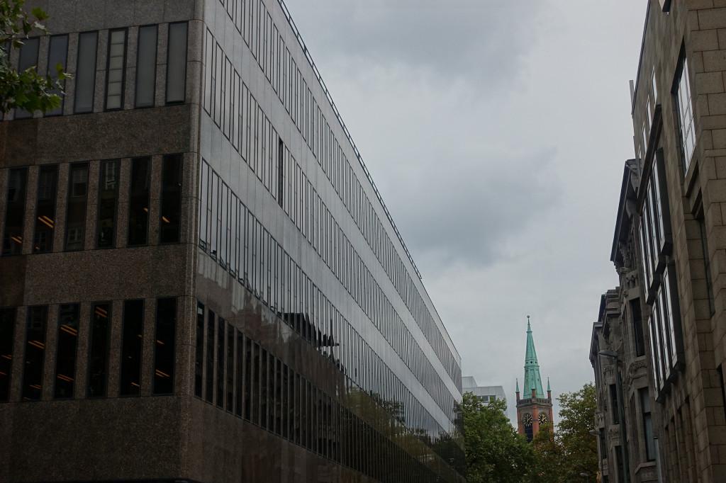 Düsseldorf - Blick auf die Johanneskirche