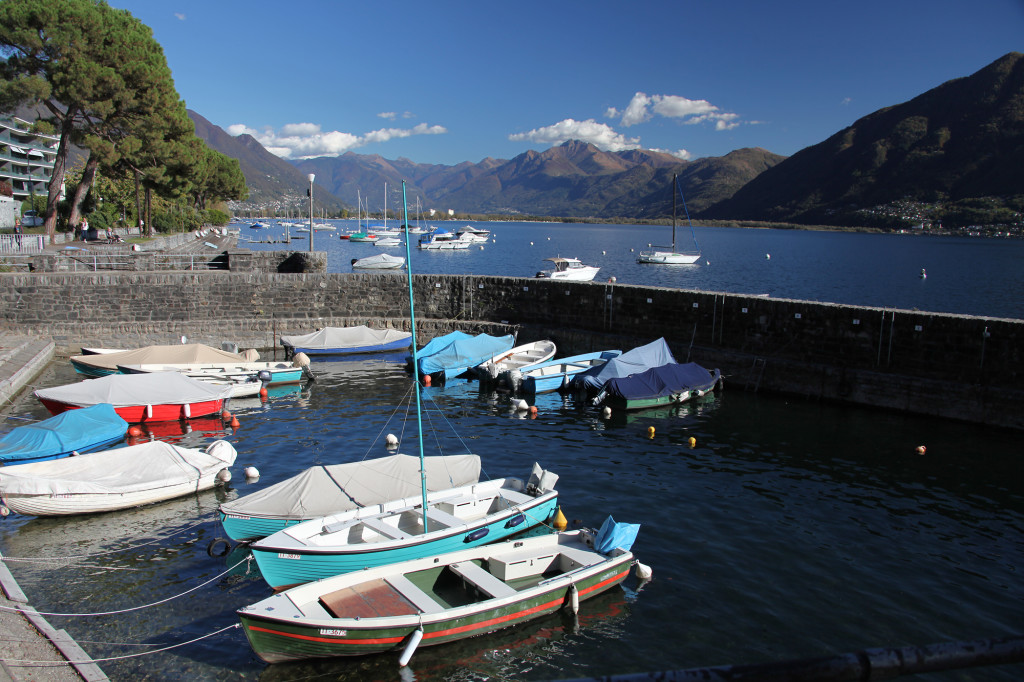 Der süße kleine Hafen von Muralto