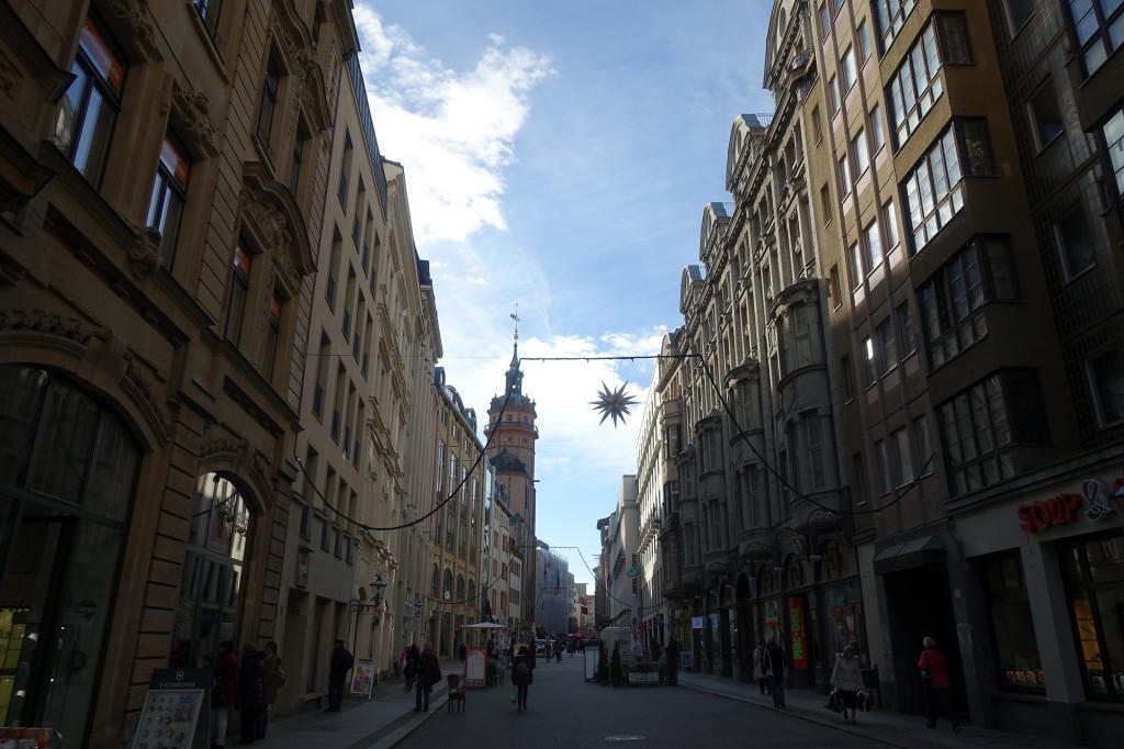 Nikolaistraße mit Nikolaikirche