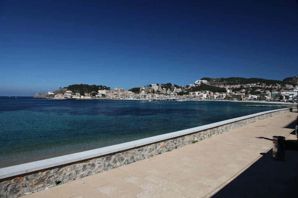 Port Sóller - Fahrt mit der Tram entlang der Strandpromenade