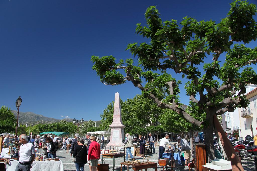 Saint Florent - Antiquitätenmarkt