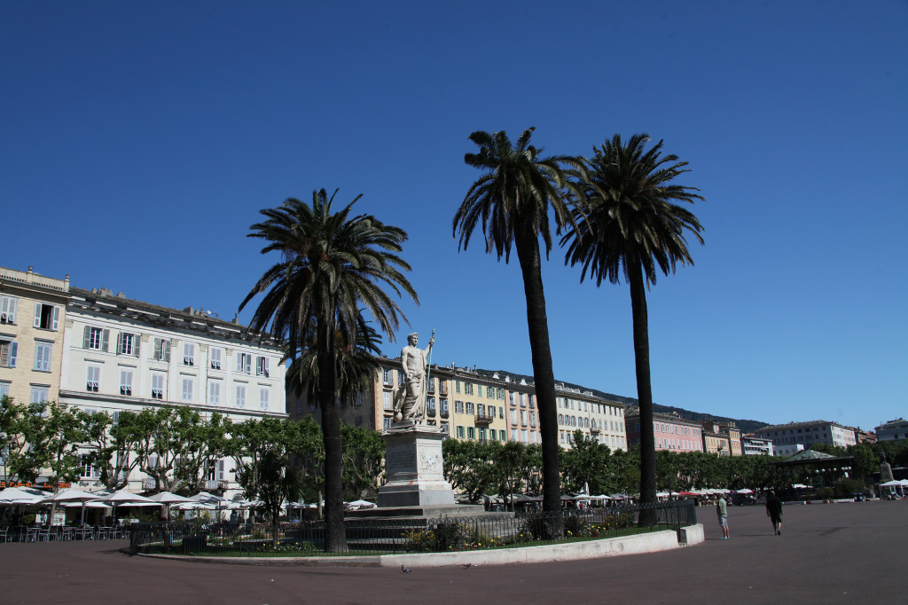Bastia - Place St. Nicolas mit dem Napoleon-Denkmal