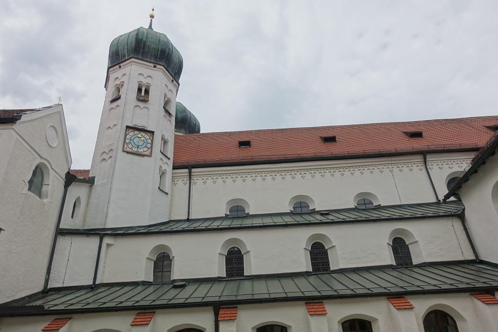Kloster Seeon - Kreuzgang und Klosterkirche