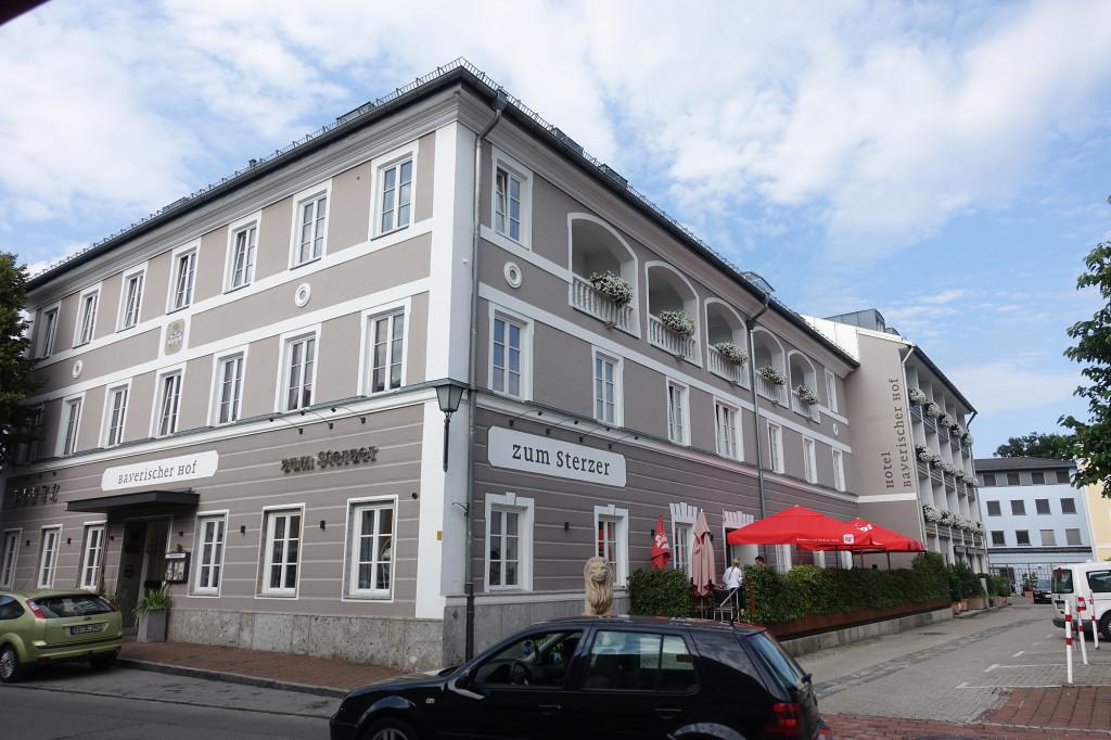 """Hotel """"Bayerischer Hof"""" mit seinem Restaurant """"zum Sterzer"""""""