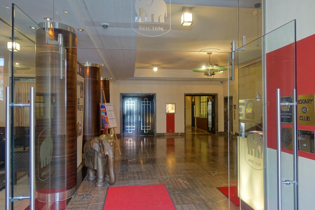"""Hotel """"Elephant"""" - Eingangsbereich"""