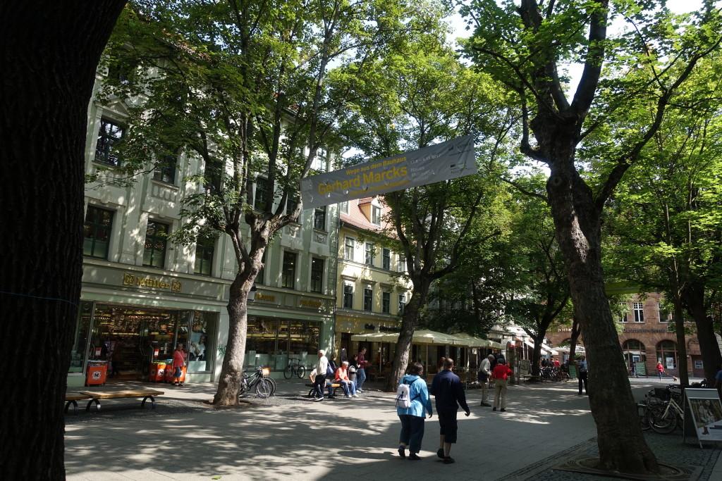 In der schattigen Schillerstraße