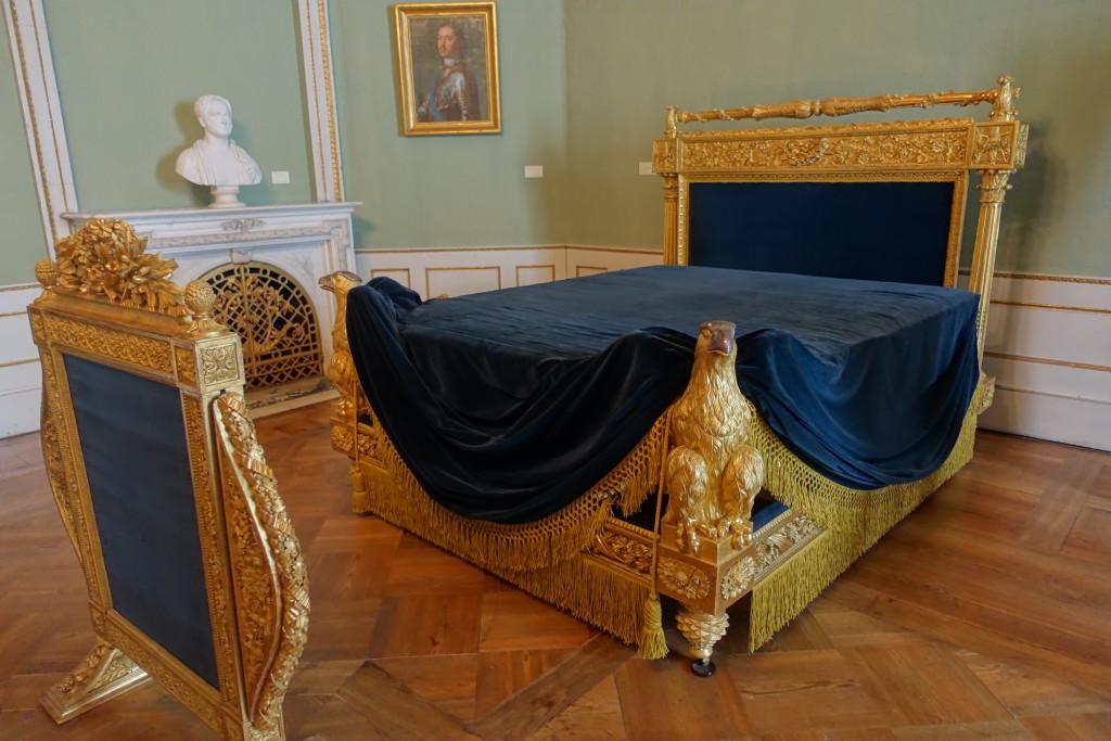Weimar - Schlossmuseum - Bett der Zarentochter Maria Pawlowna