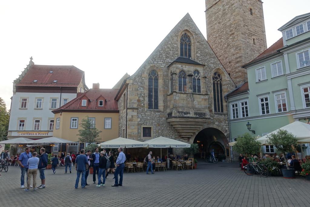 Die Ägidienkirche am Wenigemarkt bildet den östlichen Eingang zur Krämerbrücke