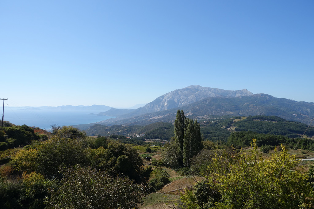 Platanos - Blick auf den Kerkis, den mit 1434 Metern höchsten Berg von Samos