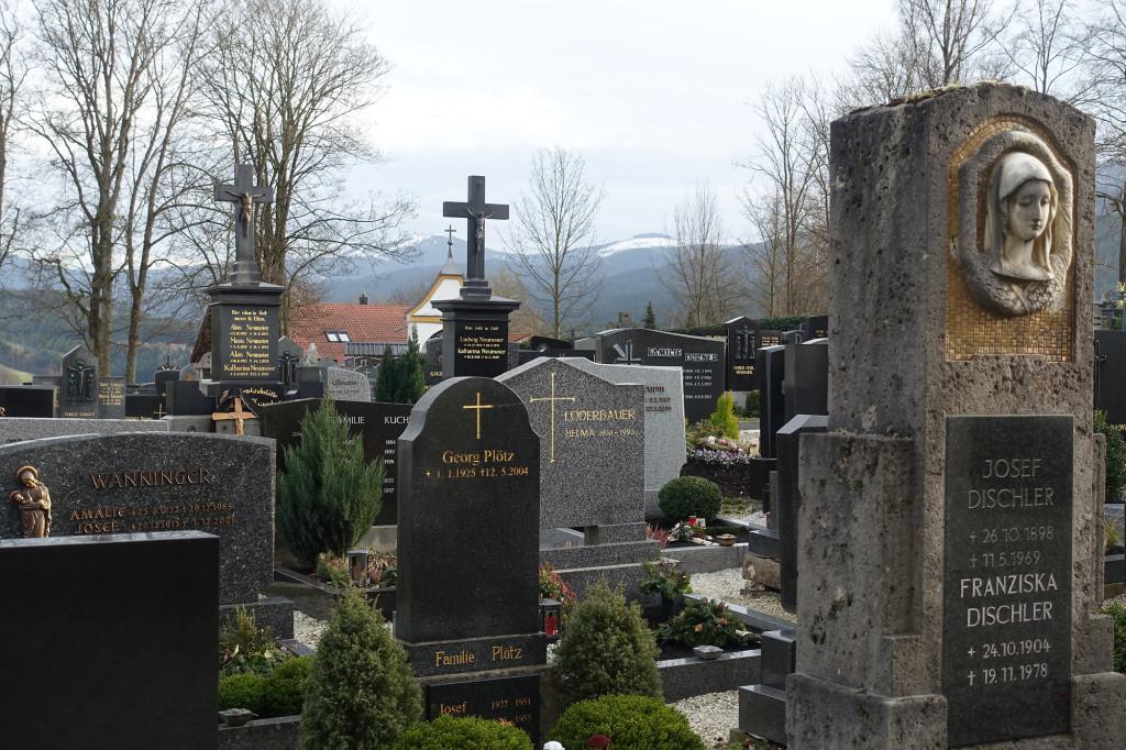 Lam - Friedhof