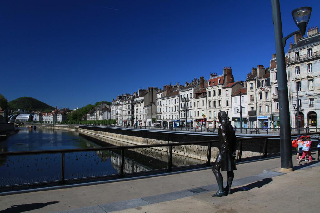 Besançon - der Fluss Doubs