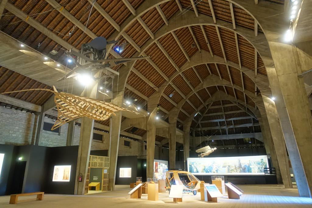 Arc-en-Senans - Saline Royale - Ausstellung in einer der beiden riesigen Salzwerkstätten