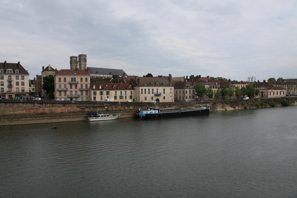 Chalons-sur-Saône - Blick über die Saône auf die Kathedrale Saint-Vincent