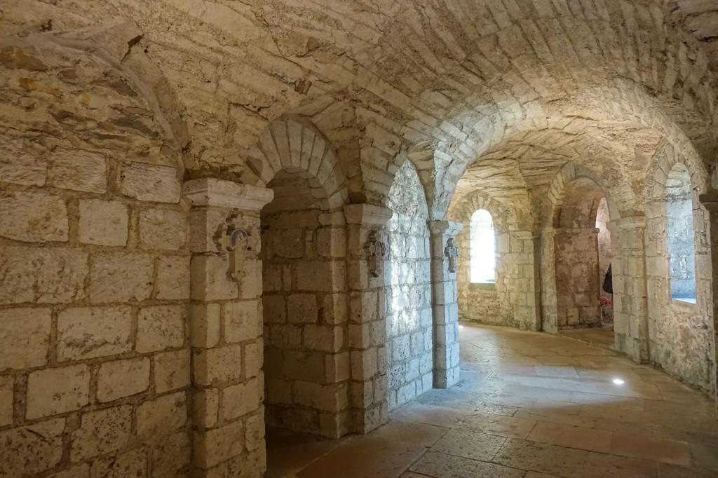 Tournus - die Abteikirche Saint Philibert - Krypta