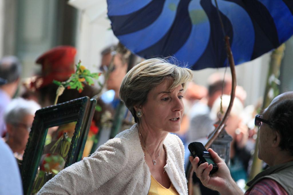 Madame Cécile Helle, Bürgermeisterin von Avignon