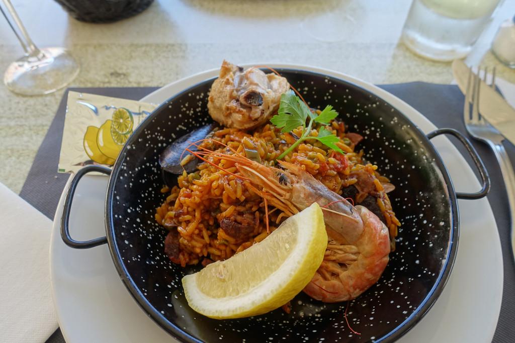 Mein Hauptgang des Menüs - Paella