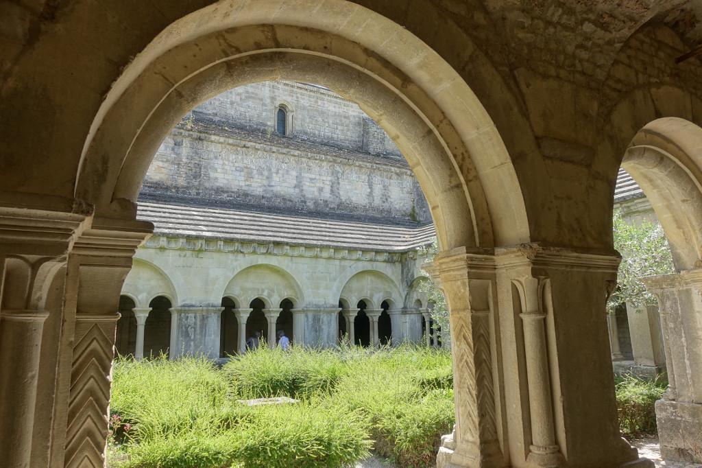 Kathedrale Notre-Dame du Nazareth - Kreuzgang