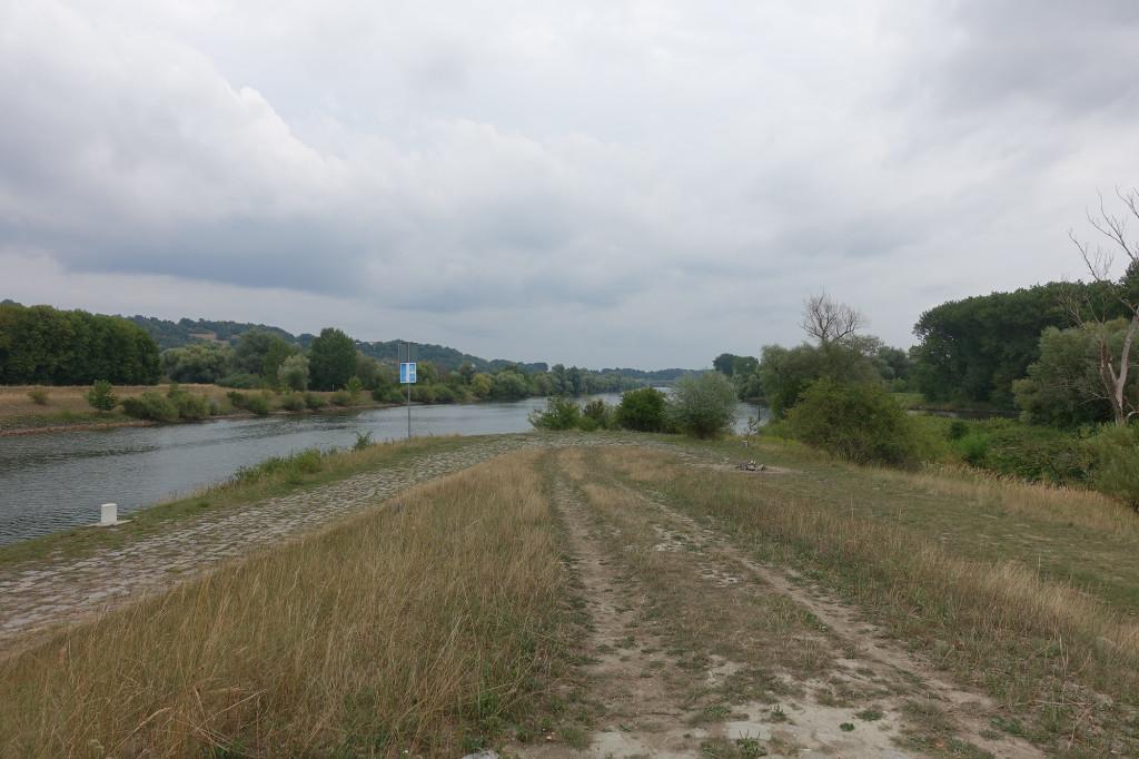 """Spitze der """"Sportinsel"""". Links die Altmühl, rechts die Donau."""