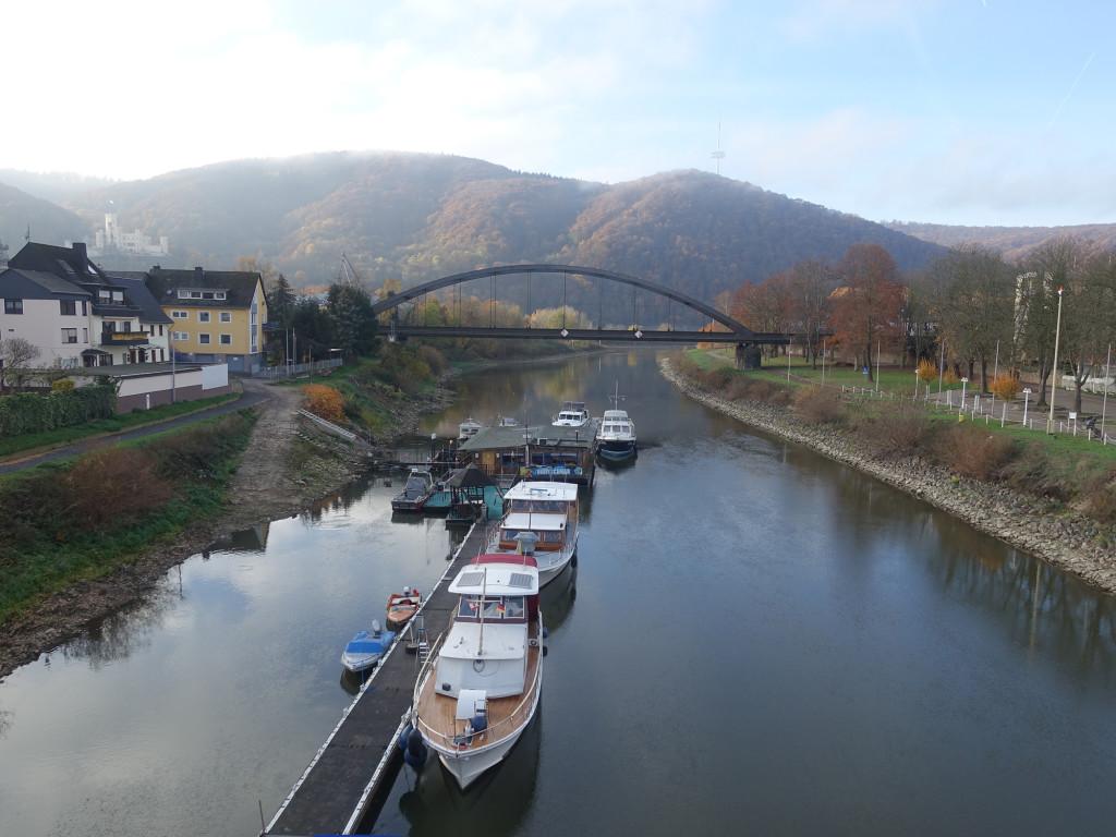 Die Lahn kurz vor ihrer Mündung in den Rhein