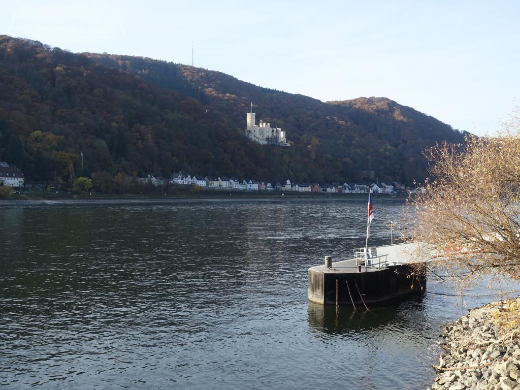 Schloss Stolzenfels über dem Rhein