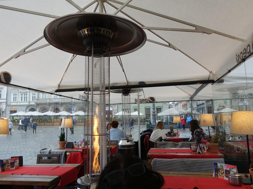 """Restaurant """"Dobra Kasza Nasza"""" - im Pavillon am Rynek"""