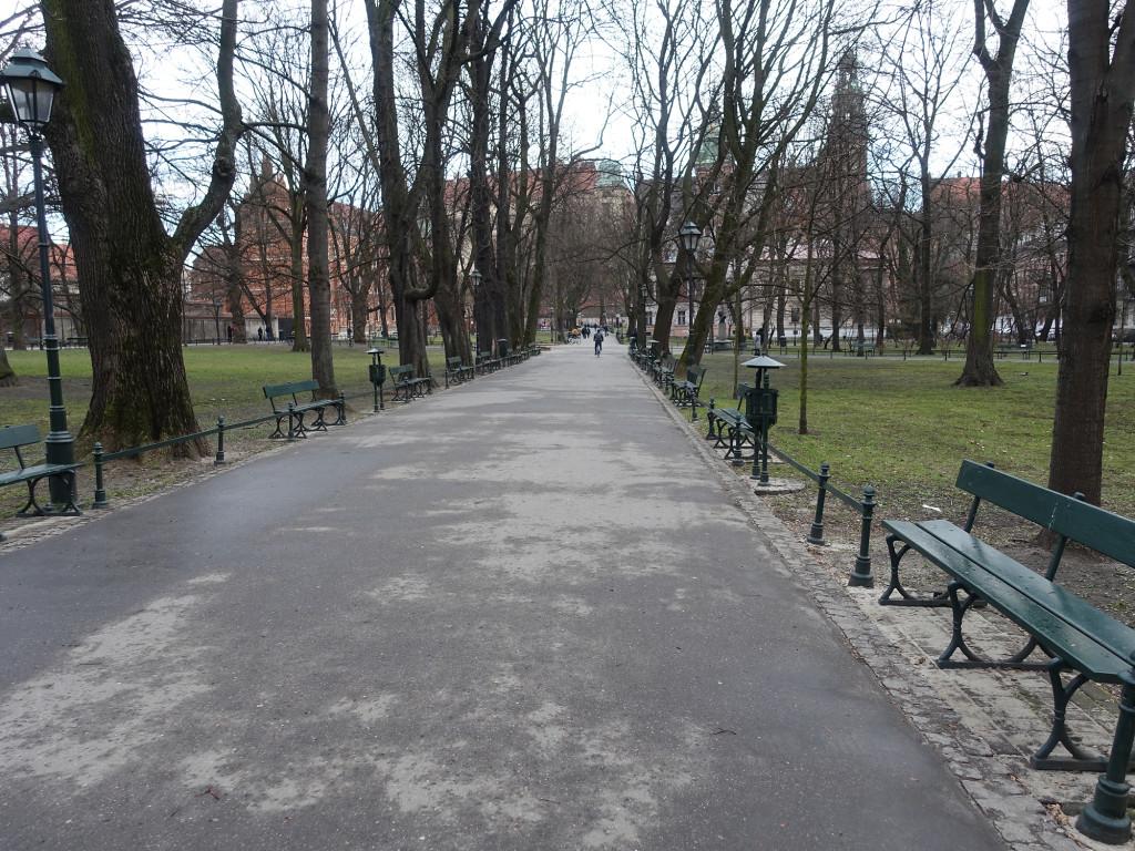 """Im Park """"Planty"""", einem Grüngürtel der die Altstadt auf der früheren Fläche der Stadtmauer und des Wassergrabens umgibt"""