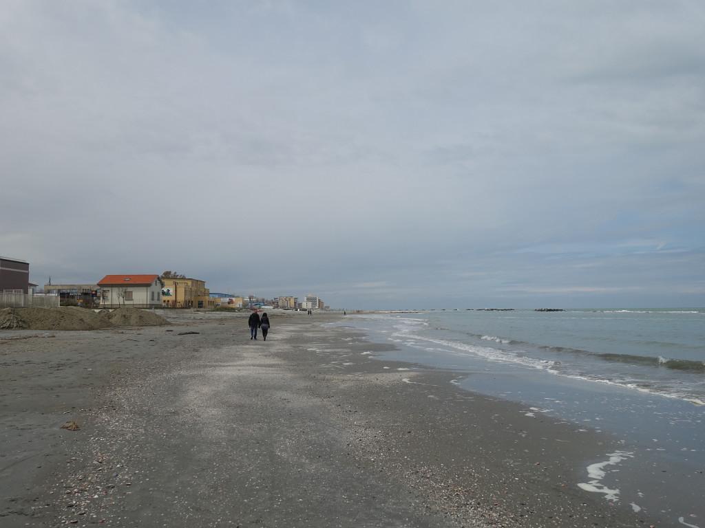 Igea Marina - auch hier warten noch Sandberge zur Strandverschönerung