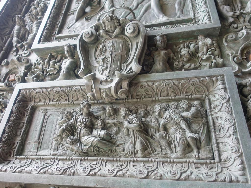 Loreto - Detail der Bronzetüren der Basilika