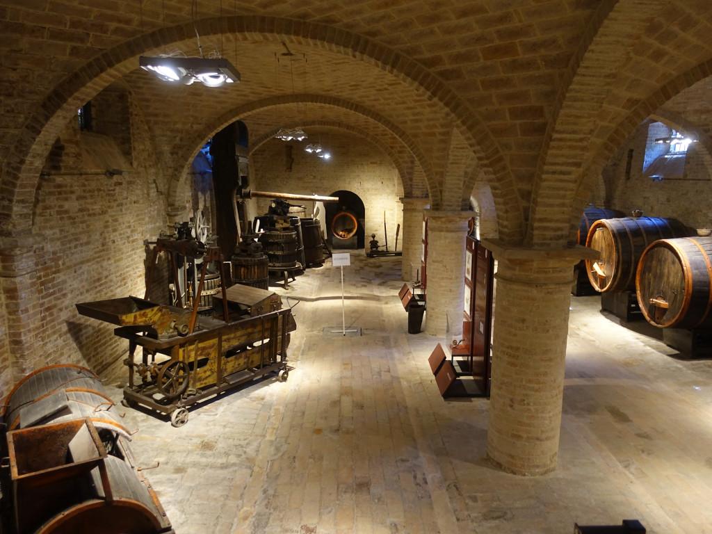 Abbadia di Fiastra - das Wein-Museum im ehemaligen Weinlager