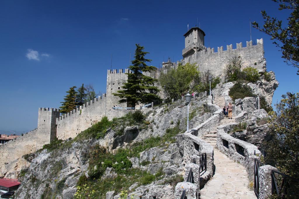 Festung Rocca mit Stadtmauer