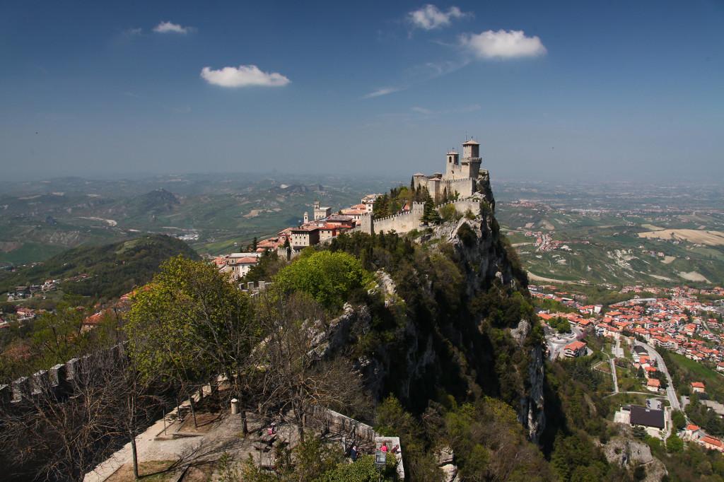 Blick von Festung Cesta auf Festung Rocca