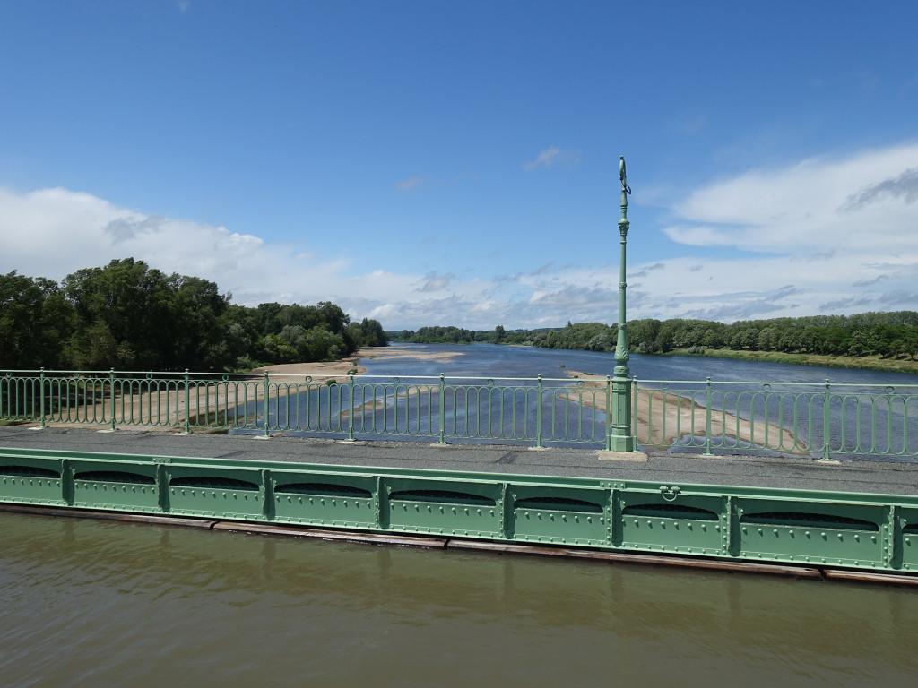 Briare - die Kanalbrücke über die Loire