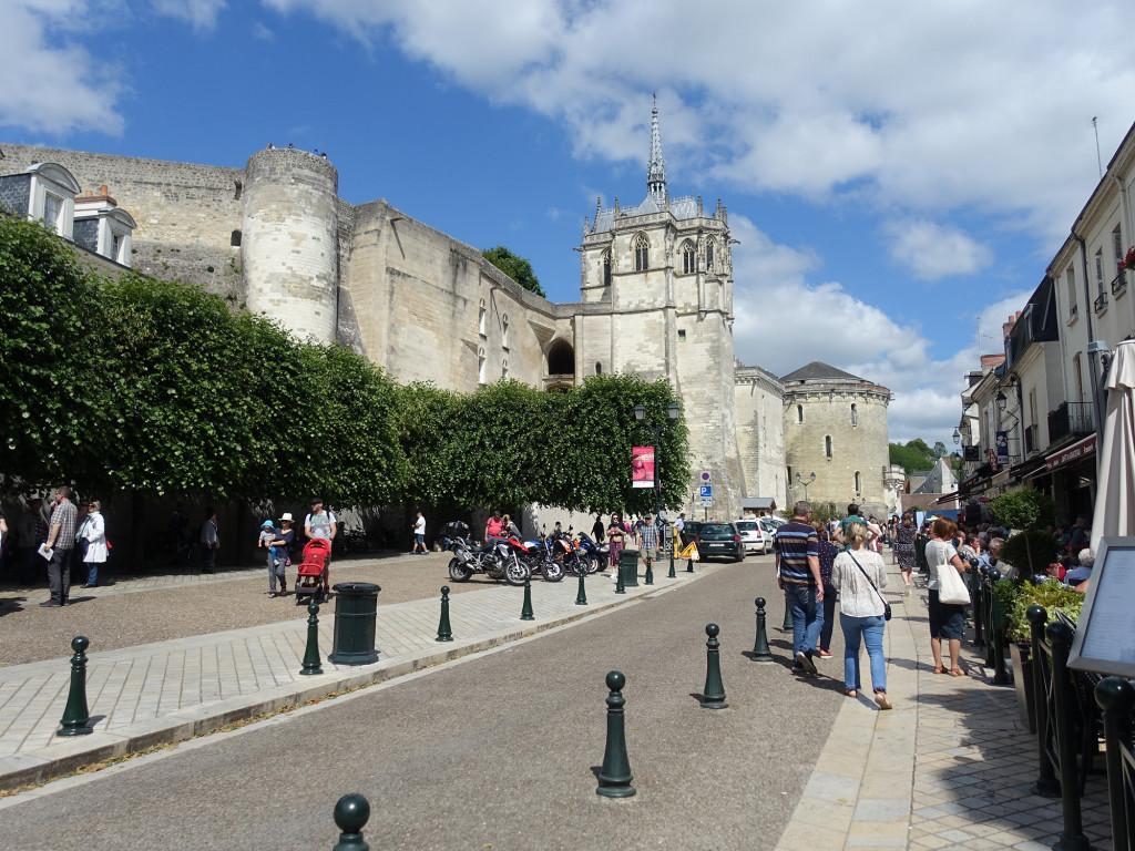 Amboise - Blick auf die zum Schloss gehörende Chapelle Saint Hubert und die Tour Hurtault