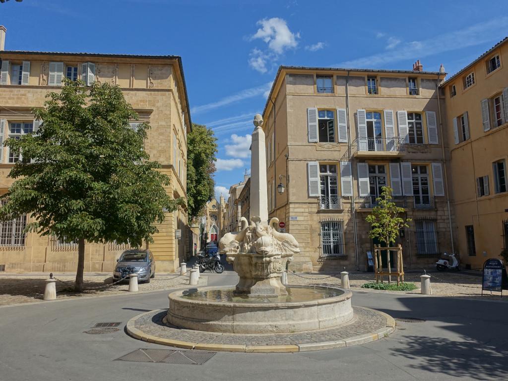 Aix-en-Provence - Place des Quattre Dauphins