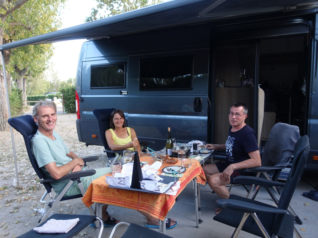 Abendessen mit unseren netten Nachbarn Rita und Enrico