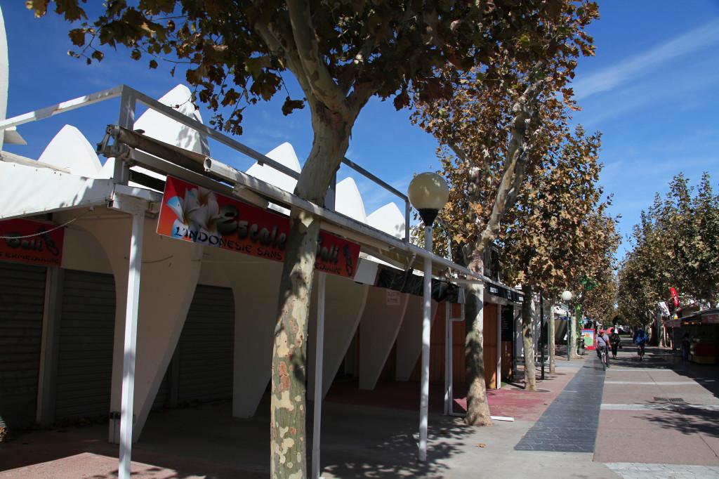 La Grande-Motte - Fin de la Saison - viele Geschäfte sind schon geschlossen