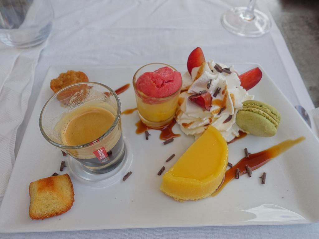 "La Grande-Motte - Restaurant ""L'Ombrine"" - Café Gourmand"